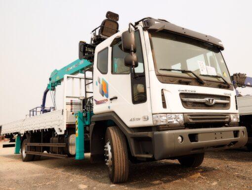Daewoo Novus 4x2 с манипулятором HKTC 7016 CC6CT